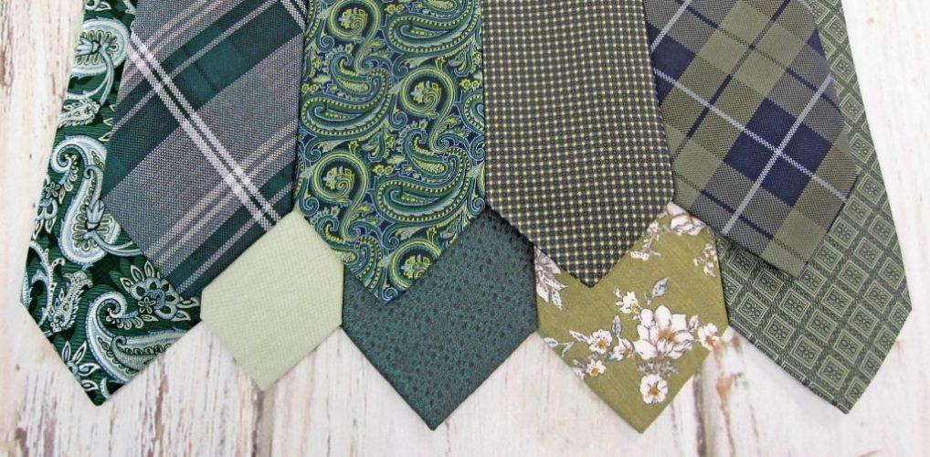 Green tie banner